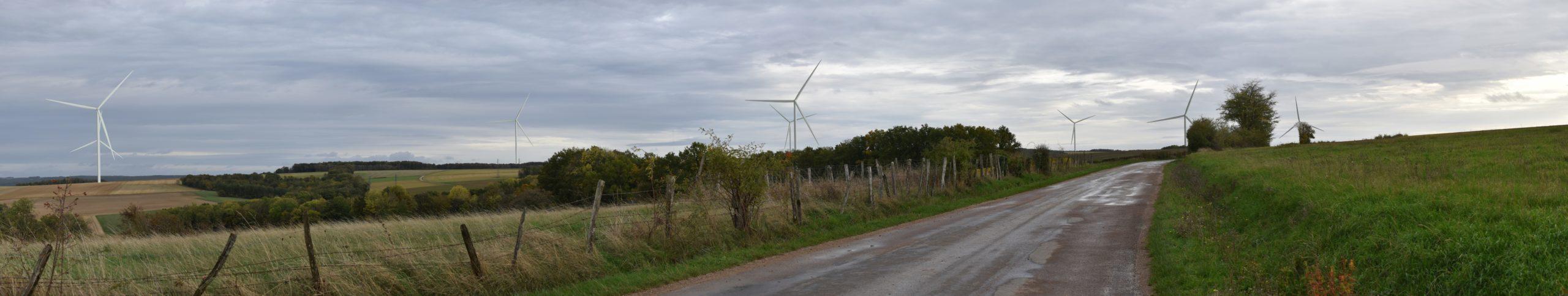 Bernouil - Sortie Sud (photomontage à 1,1 km de l'éolienne la plus proche)